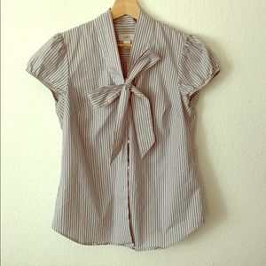 Ann Taylor Loft short sleeve shirt with Bow-M